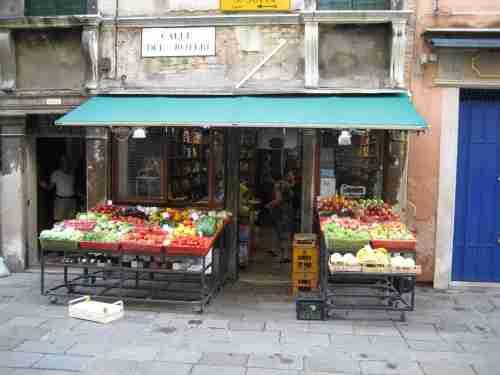 Venice Italy fruit market,fruit market Venice Italy