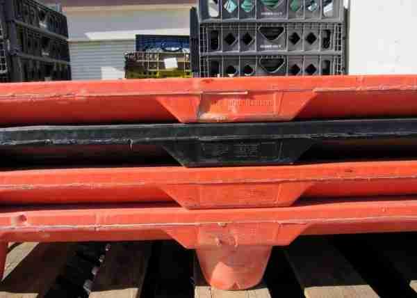 Trader Joes plastic pallets