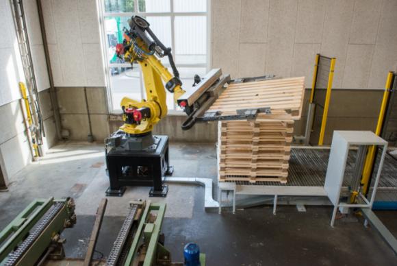 PKF/Post robotic pallet stacking