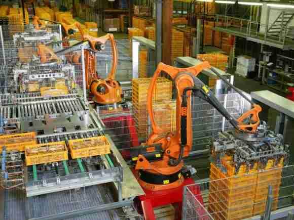 Factory Automation Robotics Palettizing Bread e1517945081225